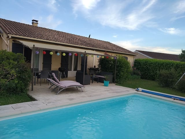 Chambre dans villa avec piscine près de Toulouse