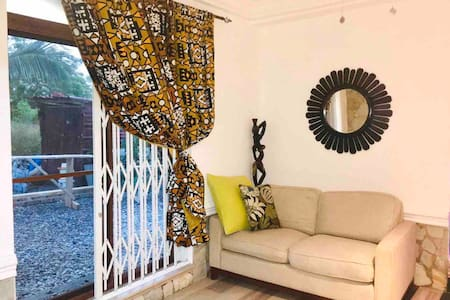 Luxury Cosy Apartment, Ogbojo, East Legon