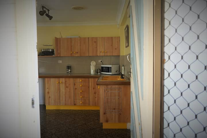 Jamandess Granny Flat. wifi. sleeps 4. S/Contained