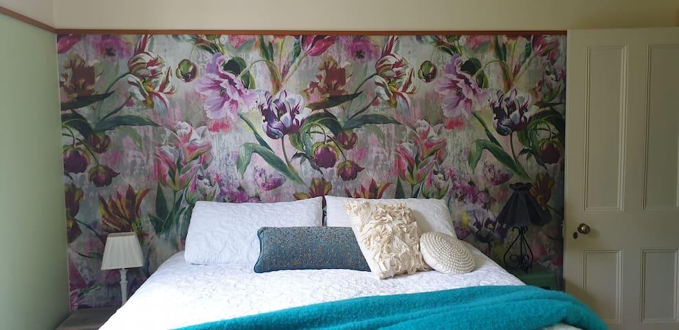 Windhaven Bed & Breakfast Standard King Room