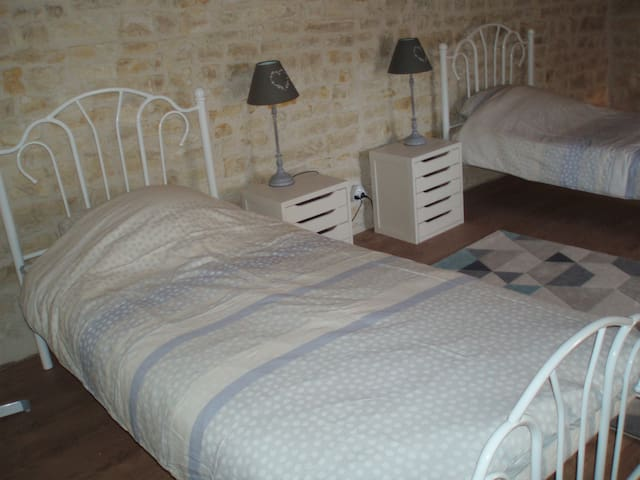 twin Beds in room