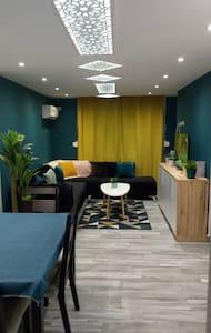 appartement récent très accueillant centre jijel