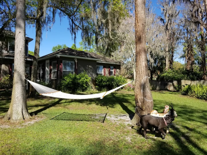 ENTIRE HOUSE - FARM STAY at Malfini Cay GUESTHOUSE