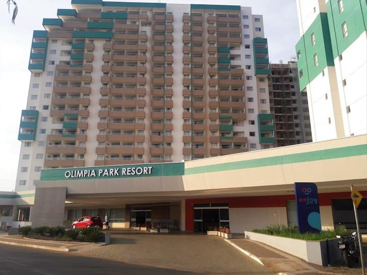 Flat no Olimpia Park Resort a 150 m do Thermas
