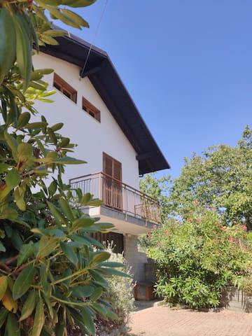 OLLASIO18 Appartamento in deliziosa villetta