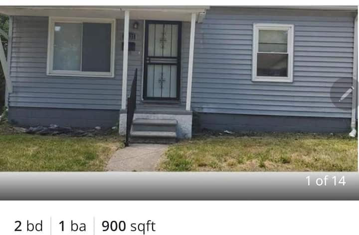 home  close to  downtown  dearborn and airport