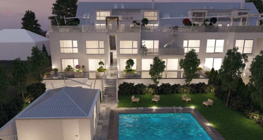 Top Flat with Pool