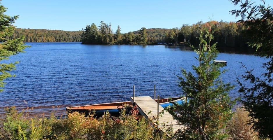 Lake Family Cottage w/Beach Muskoka - Perry - Blockhütte