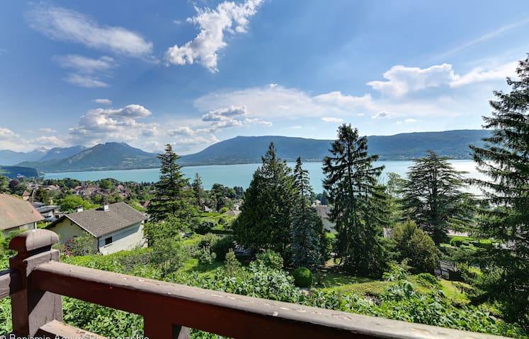 Grand chalet 280m² avec vue sur le lac et montagnes