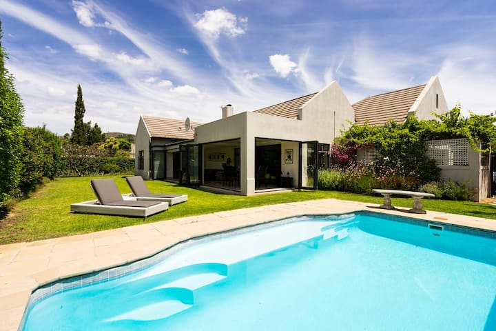 Beautiful home in tranquil Estate, Somerset West