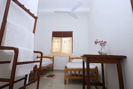 Indika guesthouse - Boossa - Gjestehus