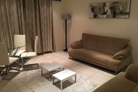 Private apartment in secure estate, Greenstone - Lethabong