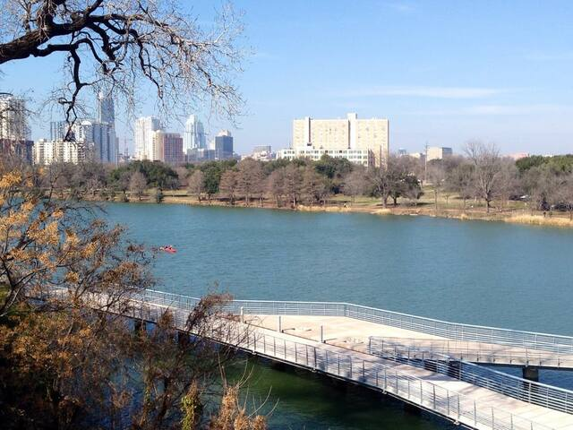 Studio on the river right by downtown - Austin - Apartament