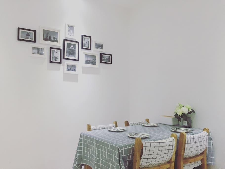 餐桌 四人份餐具