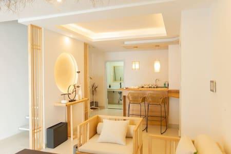 若见|新中式loft带浴缸|空气净化器|净水机|投影|网红甜品五星派对酒吧书吧打卡圣地|近泰华万达
