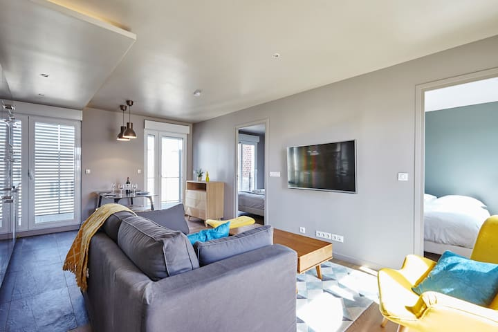 Stunning 2BR home with Balcony in Batignolles