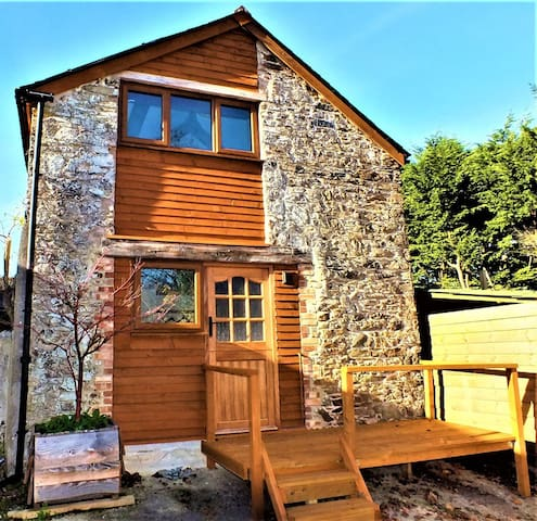 ORCHARD BARN (The Coach House) - Totnes.