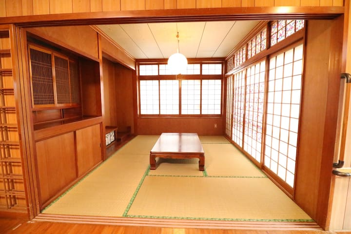 Enjoy a nostalgic old Okinawan house