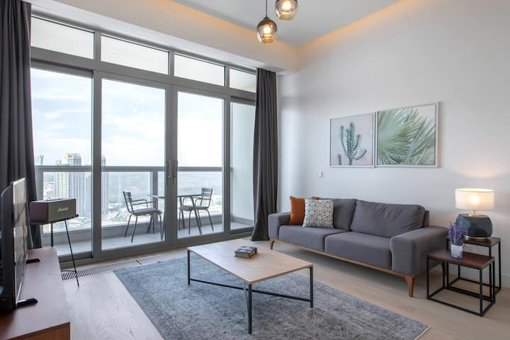 Refined 1BR at 42 Maslak with Pool & City View