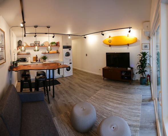 Modern/Surf Condo in IDEAL LOCATION *Legal Airbnb*