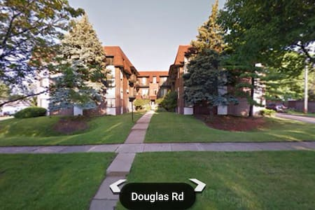 Cozy Condo near CHI Airports, Metra - Downers Grove