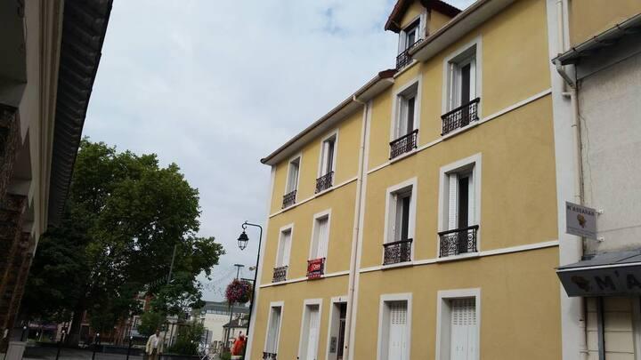 LOFT atypique coeur historique de Bagneux village