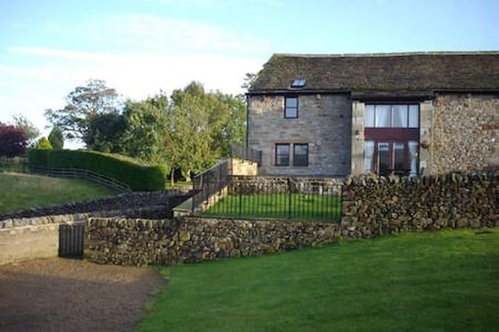 Luxury Cottage with fab views towards Malham