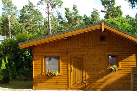Waldhaus - 5 min zum Strand - Hytte