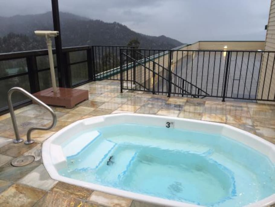 Rooftop hot tub with amazing views