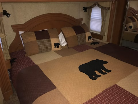 Hocking Hills SaltCreek Retreats Buzzard's Nest RV