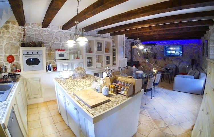 Villa Solar - Mediterranean Stone House NEW - Baćina