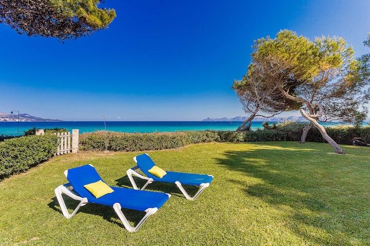Villa Aguiles: Nice first line villa access beach