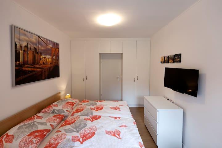 Zimmer Familie Nepimach - Lanzendorf - Huis