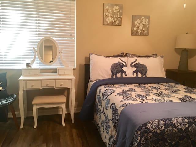 Cozy private room Naples