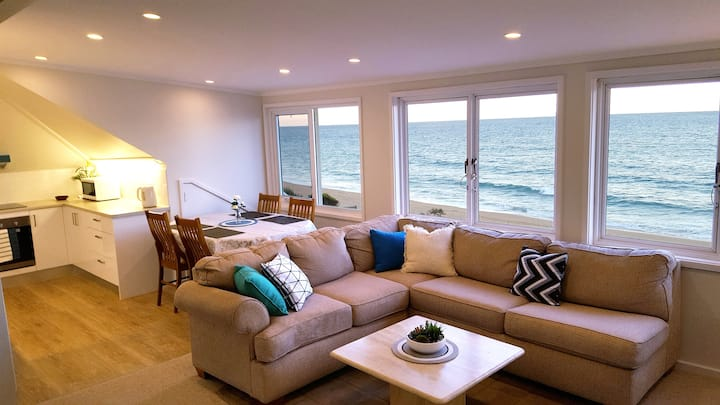 Ocean Vista apartment with direct beach access; 11