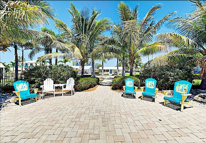 New Listing! 3 Bedroom Gulf Front, with Available Boat Dock!