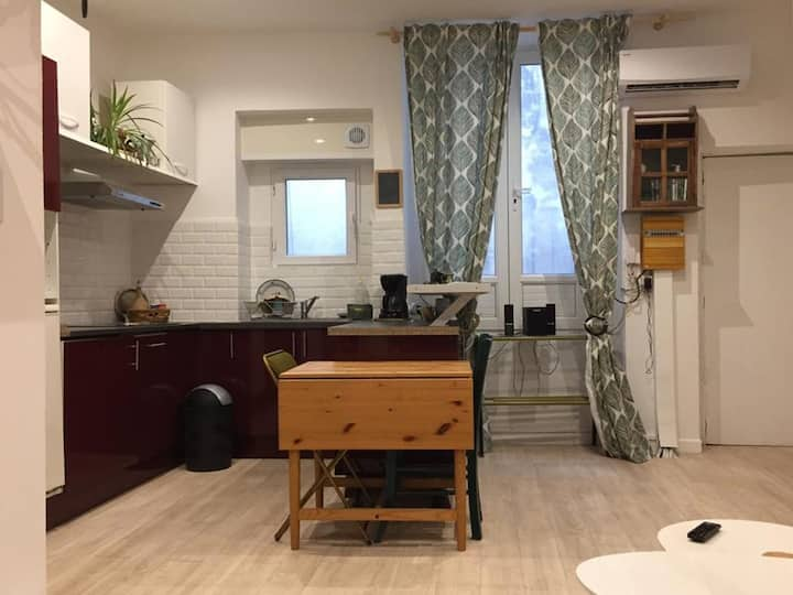 Charming studio in the historical center of Nîmes