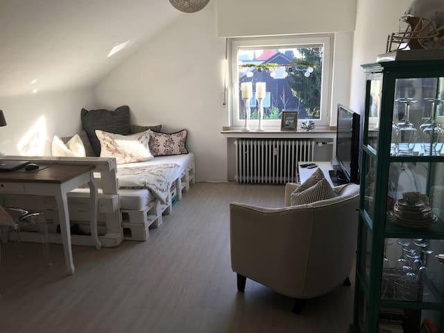 Modernes Zimmer+Bad in Hürth nahe Köln City/Messe - Hürth - Byt