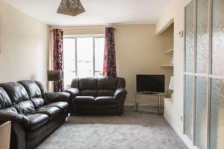 Trendy Modern 2 Bedroom Apartment in South Belfast
