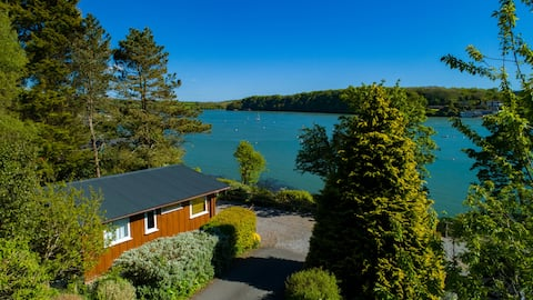Secluded Pembrokeshire Cabin with sea views