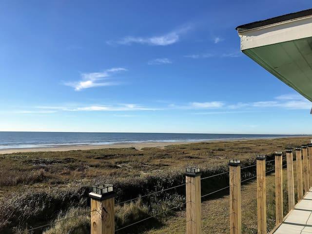 Beachfront, Panoramic View, 4/2, Sleeps 14