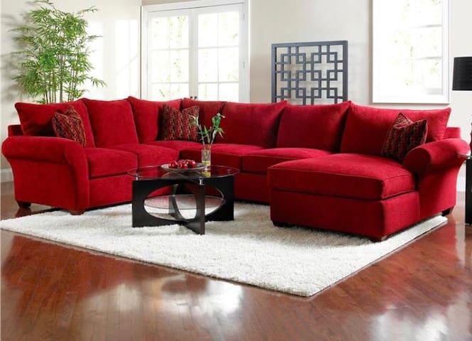 1 BR- Gated Complex- Upscale furniture-