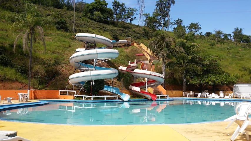 Pousada com parque aquático - Tremembé - ที่พักพร้อมอาหารเช้า