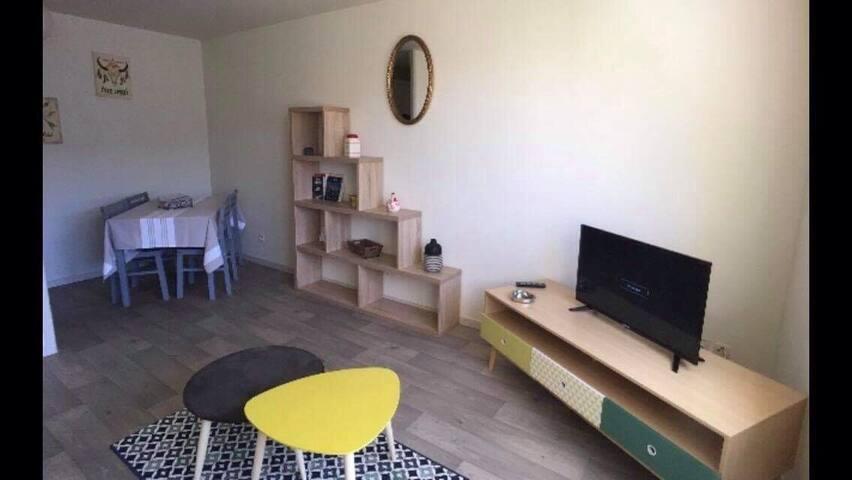Appartement meublé centre ville - 100m de la plage