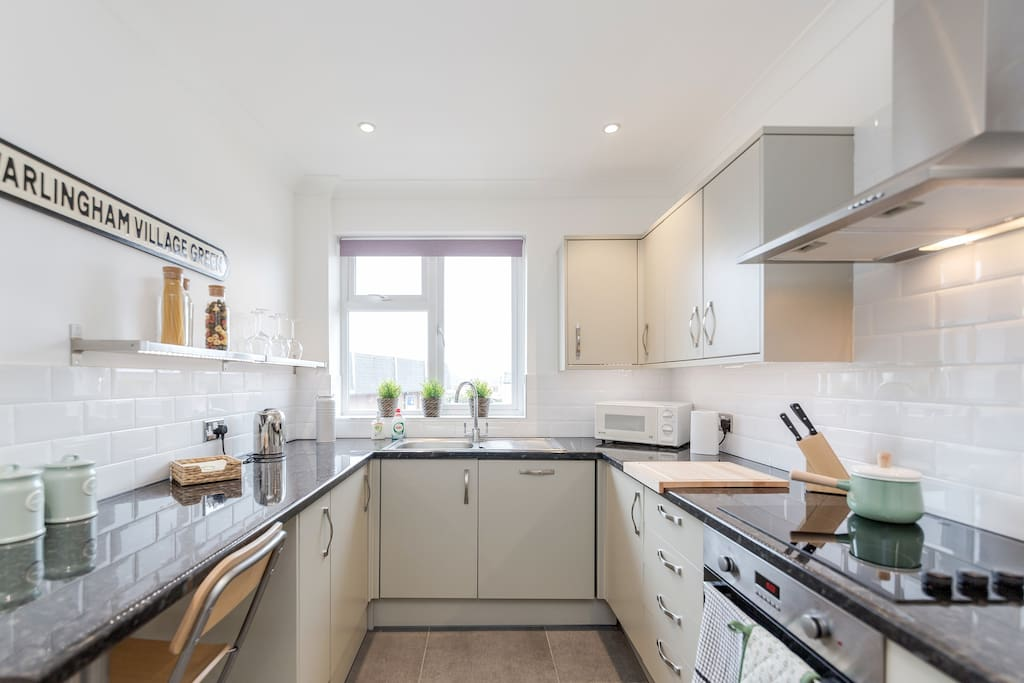 Recently renovated and well equipped contemporary kitchen