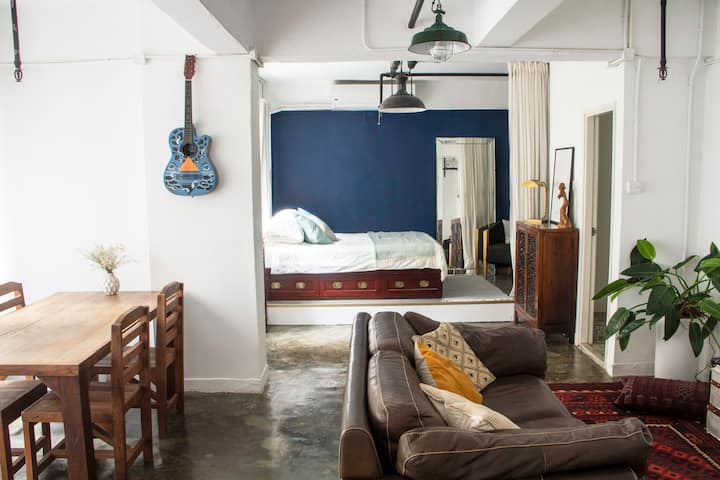 Large and Bright Studio in the heart of Sheung Wan