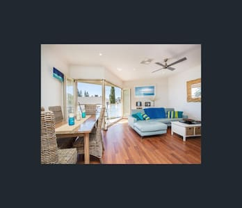 Beach Front Apartment - Seacliff - อพาร์ทเมนท์