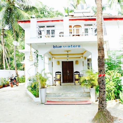 Bluewaters House near Calangute - North Goa - Rumah