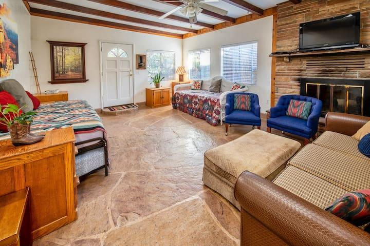 Serene Sedona Retreat! Private cozy, yet spacious!