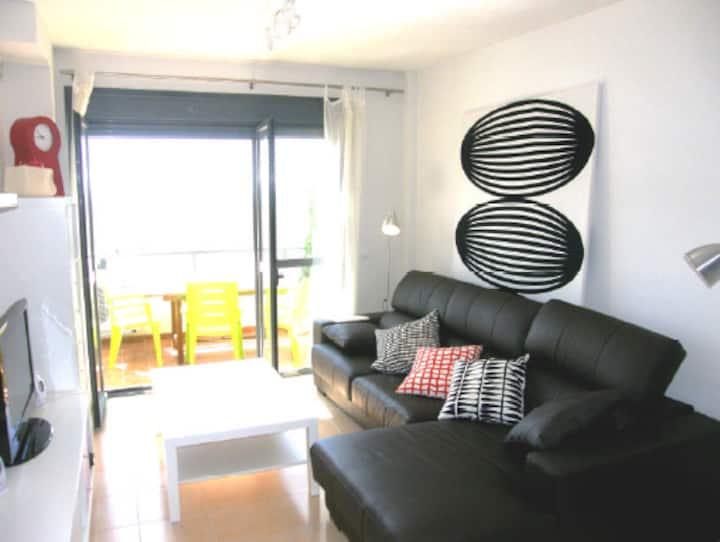 Apartamento ideal con A/C, Wifi, garaje, piscina